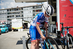 Final race prep at Emakumeen Bira 2018 - Stage 4, a 120 km road race starting and finishing in Durango, Spain on May 22, 2018. Photo by Sean Robinson/Velofocus.com