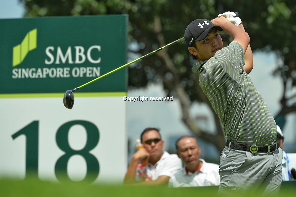 29.01.2016. Singapore.  Shintaro Kobayashi of Japan tees off during the SMBC Singapore Open held at Singapores Sentosa Golf Club Serapong course, Jan. 29, 2016. The SMBC Singapore Open is into the second day of competition.