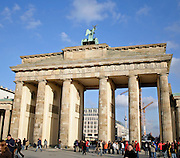 brandenburg gate on a sunny day