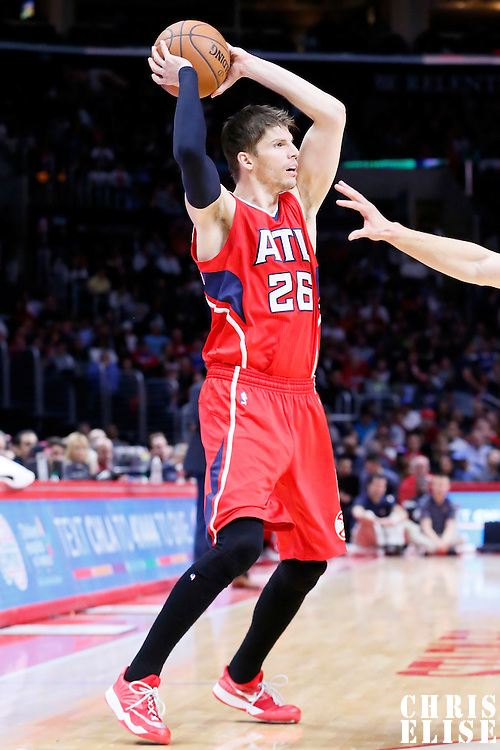 05 January 2014: Atlanta Hawks guard Kyle Korver (26) looks to pass the ball during the Atlanta Hawks 107-98 victory over the Los Angeles Clippers, at the Staples Center, Los Angeles, California, USA.