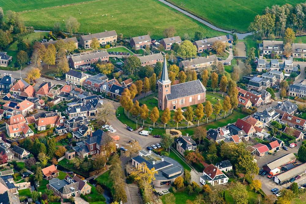Nederland, Friesland, gemeente Súdwest-Fryslân, 04-11-2018; terpdorp Rauwerd (Fries: Raerd), met Laurentiuskerk.<br /> Frisian village Rauwerd. <br /> luchtfoto (toeslag op standaard tarieven);<br /> aerial photo (additional fee required);<br /> copyright © foto/photo Siebe Swart