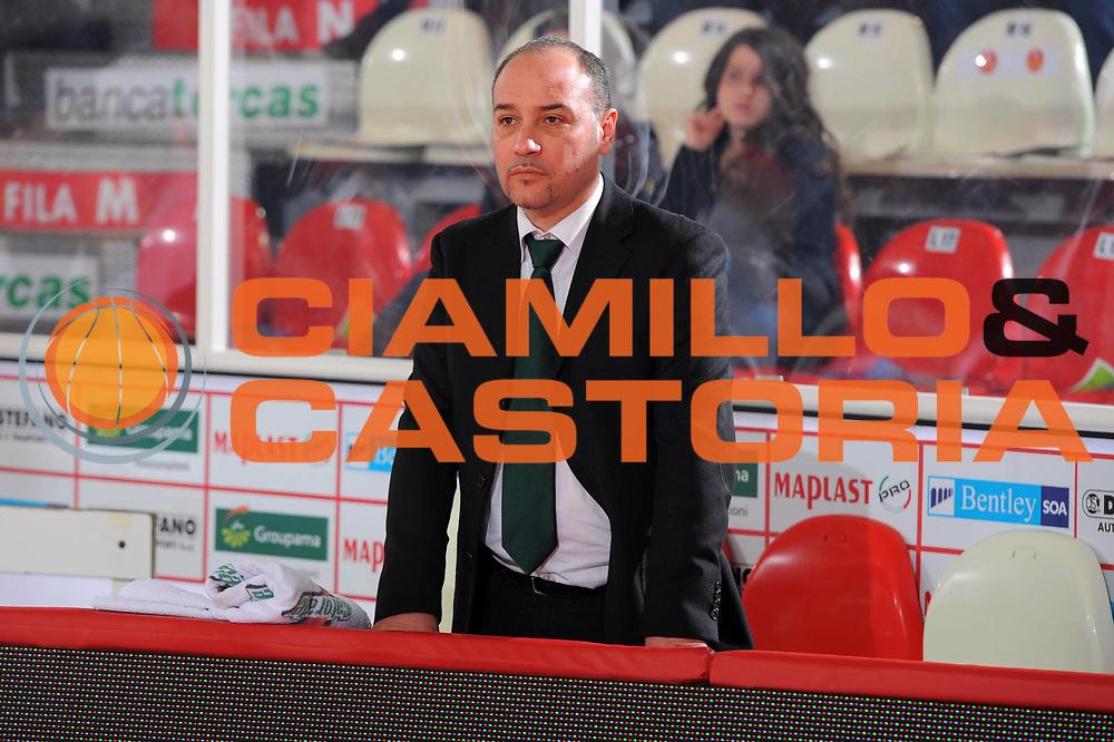 DESCRIZIONE : Teramo Lega A 2010-11 Banca Tercas Teramo Air Avellino<br /> GIOCATORE : Vincenzo Genovese<br /> SQUADRA : Air Avellino<br /> EVENTO : Campionato Lega A 2010-2011<br /> GARA : Banca Tercas Teramo Air Avellino<br /> DATA : 27/03/2011<br /> CATEGORIA : ritratto    <br /> SPORT : Pallacanestro <br /> AUTORE : Agenzia Ciamillo-Castoria/GiulioCiamillo<br /> GALLERIA: Lega Basket 2011 -2011<br /> FOTONOTIZIA: Teramo Basket Serie A 2010-11 Banca Tercas Teramo Air Avellino<br /> PREDEFINITA: