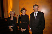 Gilly Mackwood, Cecile Bonneford and David Meyers, Veuve Cliquot Award.- Business Woman of the Year. claridge's. London. 27 April 2006. ONE TIME USE ONLY - DO NOT ARCHIVE  © Copyright Photograph by Dafydd Jones 66 Stockwell Park Rd. London SW9 0DA Tel 020 7733 0108 www.dafjones.com