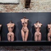 "Venezia - Punta della Dogana . La mostra di Damien Hirst: ""Tresaures from the Wreck of Unbelievable. ""Five grecian nudes."