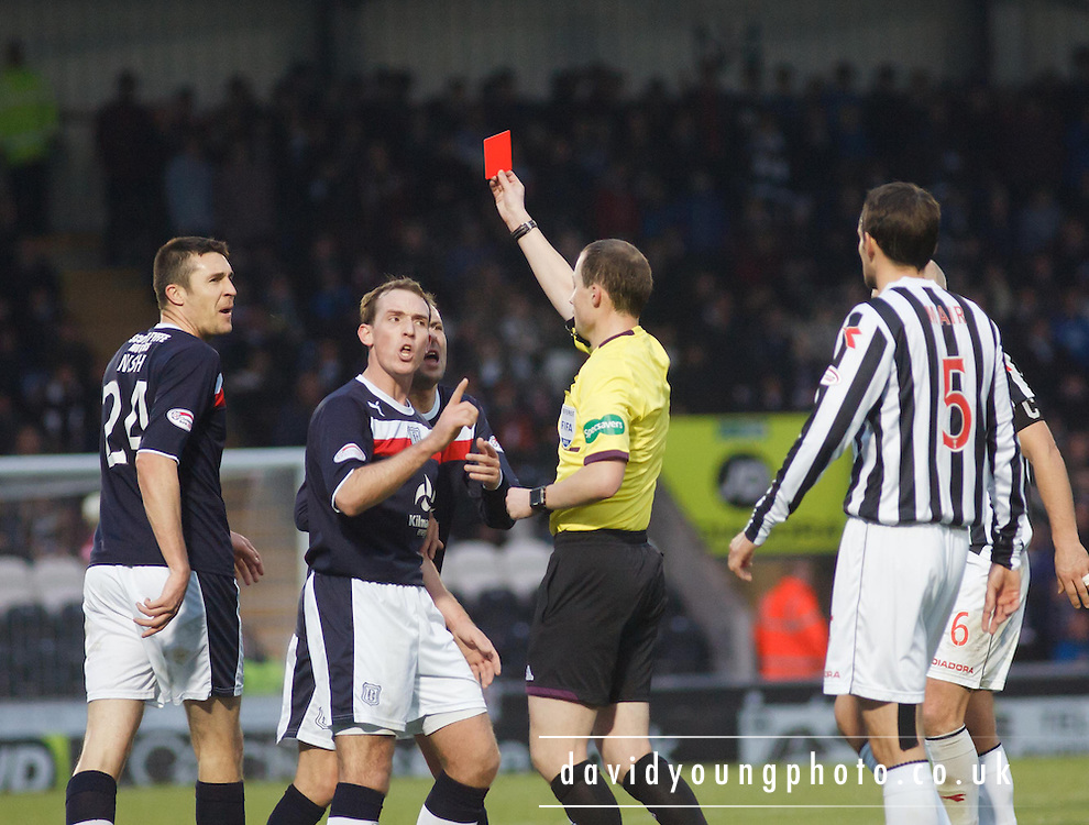 Referee Willie Collum sends off Dundee's Colin Nish  - St Mirren v Dundee, Clydesdale Bank Scottish Premier League at St Mirren Park.. - © David Young - www.davidyoungphoto.co.uk - email: davidyoungphoto@gmail.com