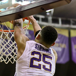 Jan 26, 2016; Baton Rouge, LA, USA; LSU Tigers forward Ben Simmons (25) dunks against the Georgia Bulldogs during the first half of a game at the Pete Maravich Assembly Center. Mandatory Credit: Derick E. Hingle-USA TODAY Sports