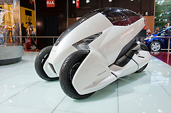 Honda electric 3-wheeled concept vehicle 3R-C at Paris Motor Show 2010