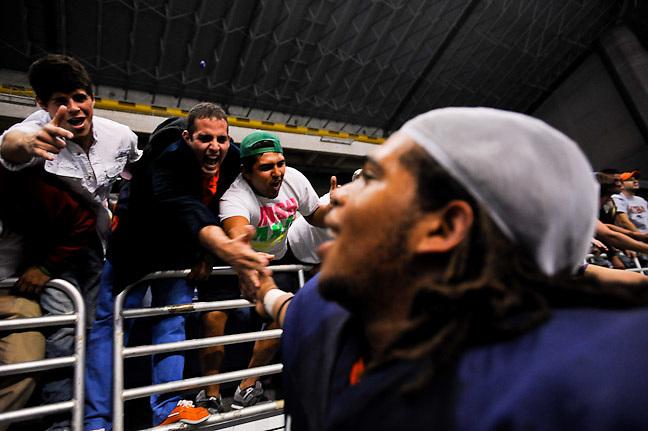 The UTSA football team scrimmages Thursday, November 18, 2010 at the Alamodome. (Photo©Bahram Mark Sobhani)