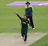 Steven Mullaney of Nottinghamshire Outlaws appeals for a wicket during the Royal London One Day Cup match at Emirates Durham ICG, Chester-le-Street<br /> Picture by Simon Moore/Focus Images Ltd 07807 671782<br /> 06/09/2014