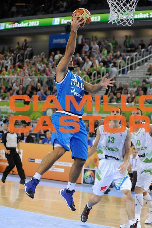 DESCRIZIONE : Lubiana Ljubliana Slovenia Eurobasket Men 2013 Second Round Slovenia Italia Slovenja Italy<br /> GIOCATORE : Pietro Aradori<br /> CATEGORIA : tiro shot<br /> SQUADRA : Italia Italy<br /> EVENTO : Eurobasket Men 2013<br /> GARA : Slovenia Italia Slovenja Italy<br /> DATA : 12/09/2013 <br /> SPORT : Pallacanestro <br /> AUTORE : Agenzia Ciamillo-Castoria/H.Bellenger<br /> Galleria : Eurobasket Men 2013<br /> Fotonotizia : Lubiana Ljubliana Slovenia Eurobasket Men 2013 Second Round Slovenia Italia Slovenja Italy<br /> Predefinita :