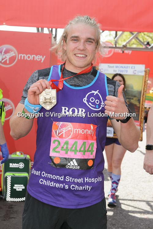 Bobby Lockwood (Actor running for Great Ormond Street Hospital). The Virgin Money London Marathon, 23rd April 2017.<br /> <br /> Photo: Joanne Davidson for Virgin Money London Marathon<br /> <br /> For further information: media@londonmarathonevents.co.uk