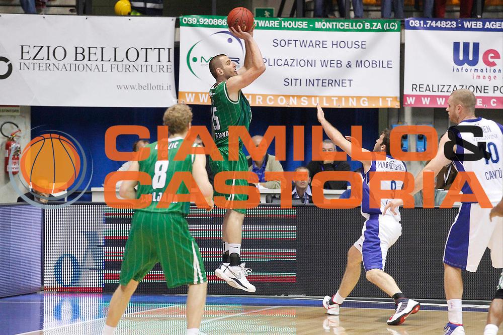 DESCRIZIONE : Desio Eurolega Eurolegue 2012-13 Mapooro Cantu Union Olimpija Ljubljana<br /> GIOCATORE : Dylan Page<br /> SQUADRA : Union Olimpija Ljubljana<br /> CATEGORIA : Tiro Three Points<br /> EVENTO : Eurolega 2012-2013<br /> GARA : Mapooro Cantu Union Olimpija Ljubljana<br /> DATA : 11/10/2012<br /> SPORT : Pallacanestro<br /> AUTORE : Agenzia Ciamillo-Castoria/G.Cottini<br /> Galleria : Eurolega 2012-2013<br /> Fotonotizia : Desio Eurolega Eurolegue 2012-13 Mapooro Cantu Union Olimpija Ljubljana<br /> Predefinita :