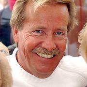 NLD/Bloemenaal/20050601 - Haringparty Showtime Noordzee FM, de Veerkampjes, Ton Veerkamp