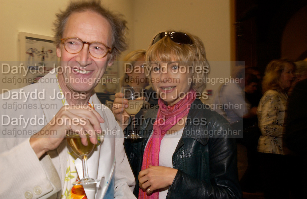 Michael Horowitz and Melissa Palmer, Gerald Scarfe exhibition and book launch, National Portrait Gallery, 29 September 2003.© Copyright Photograph by Dafydd Jones 66 Stockwell Park Rd. London SW9 0DA Tel 020 7733 0108 www.dafjones.com