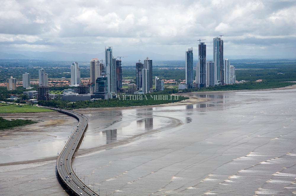 Vista a Costa del Este desde San Francisco, Panama City. ©Victoria Murillo / Istmophoto.com