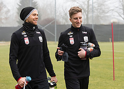13.01.2020, Waldstadion, Pasching, AUT, 1. FBL, Trainingsauftakt, LASK, im Bild v.l. Tormann Alexander Schlager (LASK), Philipp Wiesinger (LASK) // during a Trainingssession of Austrian tipico Bundesliga Club LASK at the Waldstadion in Pasching, Austria on 2020/01/13. EXPA Pictures © 2020, PhotoCredit: EXPA/ Reinhard Eisenbauer
