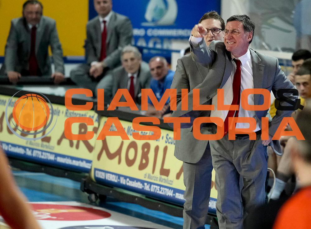 DESCRIZIONE : Veroli Campionato Lega A2 2012-2013  Prima Veroli Giorgio Tesi Group Pistoia<br /> GIOCATORE : Francesco Marcelletti <br /> CATEGORIA : coach schema<br /> SQUADRA : Prima Veroli<br /> EVENTO : Campionato Lega A2 2012-2013<br /> GARA: Prima Veroli Giorgio Tesi Group Pistoia<br /> DATA : 05/05/2013<br /> SPORT : Pallacanestro <br /> AUTORE : Agenzia Ciamillo-Castoria/N. Dalla Mura<br /> Galleria : Lega Basket A2 2012-2013 <br /> Fotonotizia : Veroli Campionato Lega A2 2012-2013  Prima Veroli Giorgio Tesi Group Pistoia