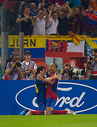 ROME, ITALY - Tuesday, May 26, 2009: Barcelona's Messi celebrates scoring the second goal against Manchester United with team-mate Thierry Henry during the UEFA Champions League Final at the Stadio Olimpico. (Pic by Carlo Baroncini/Propaganda)