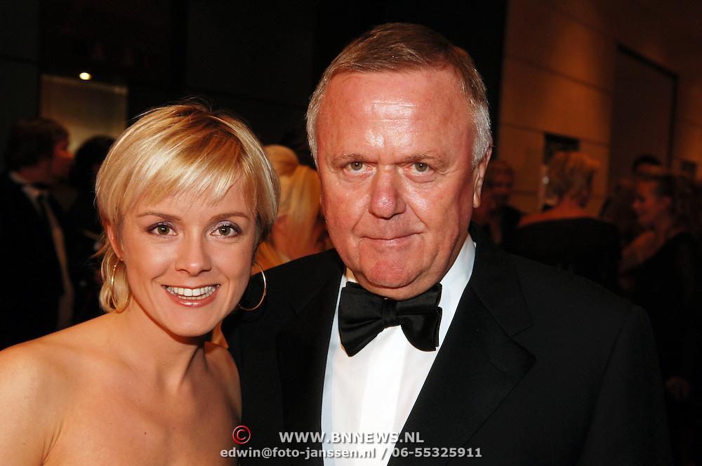NLD/Amsterdam/20051128 - Uitreiking Beau Monde Awards 2005, Harry Mens en dochter Suze