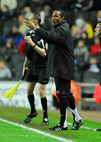 Photo: Leigh Quinnell/Sportsbeat Images.<br /> Milton Keynes Dons v Chesterfield. Coca Cola League 2. 24/11/2007. MK Dons manager Paul Ince shouts out to his team.