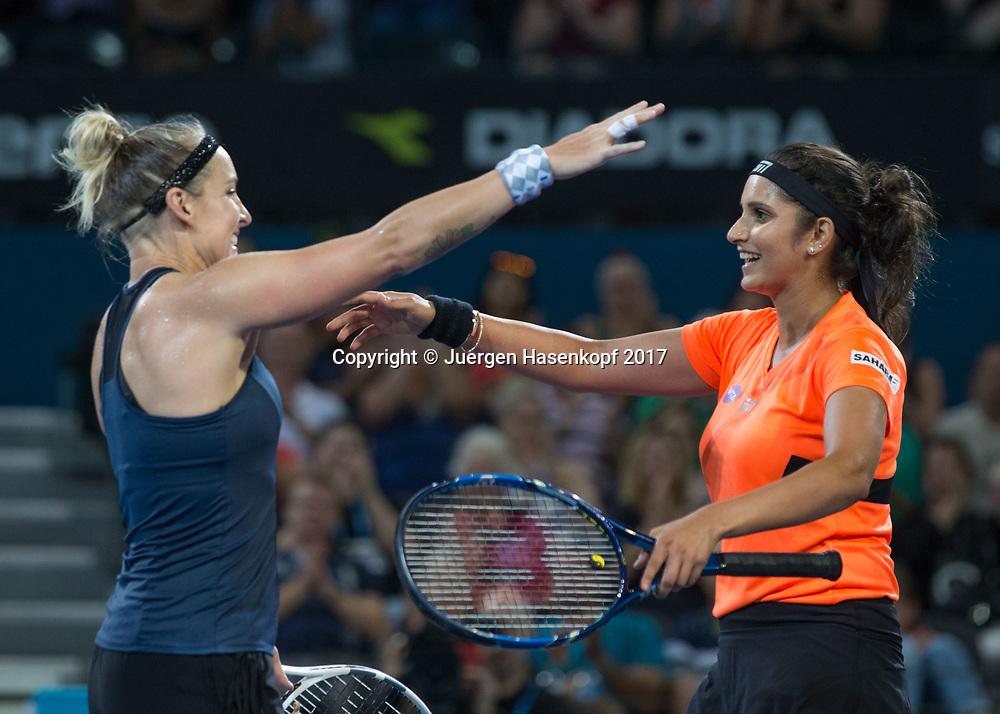 BETHANIE MATTEK-SANDS (USA)-SANIA MIRZA (IND) jubeln nach ihrem Sieg, Jubel, Freude, Emotion,<br /> <br /> Tennis - Brisbane International  2017 - WTA -  Pat Rafter Arena - Brisbane - QLD - Australia  - 7 January 2017. <br /> &copy; Juergen Hasenkopf
