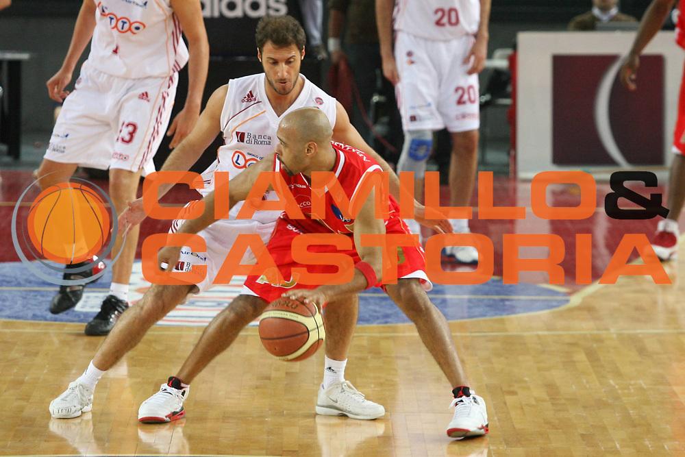 DESCRIZIONE : Roma Lega A1 2006-07 Lottomatica Virtus Roma Armani Jeans Milano <br /> GIOCATORE : Garris <br /> SQUADRA : Lottomatica Virtus Roma <br /> EVENTO : Campionato Lega A1 2006-2007 <br /> GARA : Lottomatica Virtus Roma Armani Jeans Milano <br /> DATA : 28/01/2007 <br /> CATEGORIA : Palleggio <br /> SPORT : Pallacanestro <br /> AUTORE : Agenzia Ciamillo-Castoria/G.Ciamillo