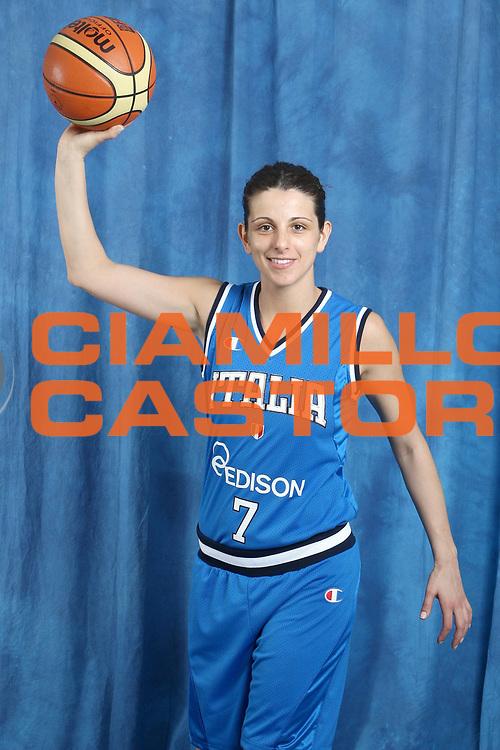 DESCRIZIONE : Alba Adriatica Raduno Collegiale Nazionale Femminile i posati delle giocatrici<br /> GIOCATORE : Paola Mauriello<br /> SQUADRA : Nazionale Italia Donne<br /> EVENTO : Raduno Collegiale Nazionale Femminile <br /> GARA : <br /> DATA : 10/05/2009 <br /> CATEGORIA : Posato<br /> SPORT : Pallacanestro <br /> AUTORE : Agenzia Ciamillo-Castoria/G.Ciamillo