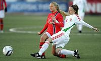 Fotball / Football<br /> 04.04.2013<br /> UEFA WU19, Second Qualifying Round<br /> Norge v Ungarn<br /> Norway v Hungary<br /> Foto: Morten Olsen, Digitalsport<br /> <br /> Lisa Naalsund (6) - Norway<br /> Loretta Nemeth (4) - Hungary
