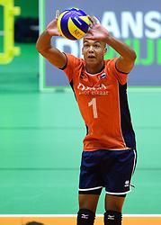 05-09-2015 NED: Volleybal vriendschappelijk Nederland - Belgie, Utrecht<br /> Nederland verliest kansloos met 3-0 van Belgie / Nimir Abdelaziz #1
