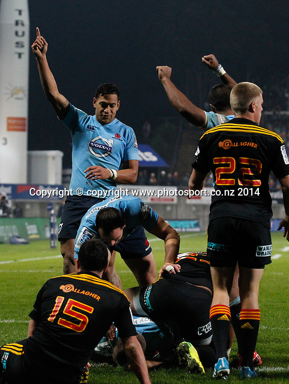 The Waratahs celebrate a last minute try by Bernard Foley . Super Rugby, Chiefs v Waratahs, Yarrow Stadium, New Plymouth, New Zealand. Saturday, 31 May, 2014. Photo: John Cowpland / photosport.co.nz
