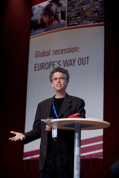 DUBLIN - IRELAND - 05 NOVEMBER 2009 -- Eurofound Forum - Global recession: Europe's way out. Paul Swaim, Head of the Employment Outlook section of the OECD.   PHOTO: ERIK LUNTANG / INSPIRIT Photo