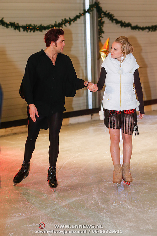NLD/Utrecht/20121218 - Perspresentatie Sterren Dansen op het IJs 2013, Paul Turner en danspartner Scarlett
