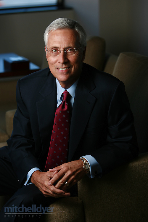 Ray Davis, president/CEO of Umpqua Bank poses in hi Portland, Oregon office on November 12, 2006.<br />