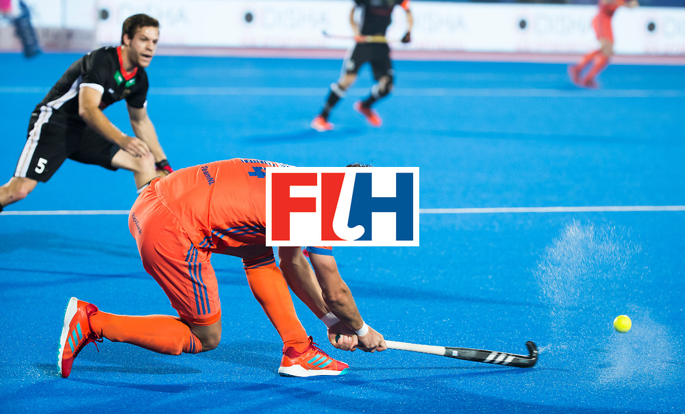 BHUBANESWAR - Robbert Kemperman (Ned) tijdens de Hockey World League Finals , de kwartfinale wedstrijd Duitsland-Nederland (3-3).Duitsland wint na shoot-outs.    COPYRIGHT KOEN SUYK