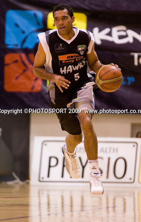 Hawk's Everard Bartlett. Hawkes Bay Hawks v Southland Sharks. National Basketball League. Pettigrew Green Arena, Napier, New Zealand. Friday 19 March 2010. Photo: John Cowpland/PHOTOSPORT