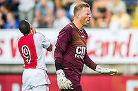 BREDA - NAC - Jong Ajax , Voetbal , Seizoen 2015/2016 , Jupiler league , Rat Verlegh Stadion , 21-08-2015 , Jong Ajax speler Zakaria El Azouzi (l) schiet 1 op 1 met NAC Breda keeper Jelle ten Rouwelaar (r) de bal naast