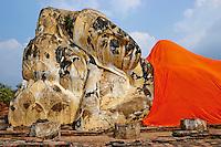 Thailande, province de Phra Nakhon Si Ayutthaya, Ayutthaya, Parc Historique, Wat Lokaya Sutha, Bouddha couche // Thailand, Ayutthaya, Ayutthaya Historical Park, Wat Lokaya Sutha, sleeping Buddha