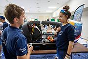 Atlete Jennifer Breet overlegt met een engineer. Het Human Power Team Delft en Amsterdam, dat bestaat uit studenten van de TU Delft en de VU Amsterdam, is in Amerika om tijdens de World Human Powered Speed Challenge in Nevada een poging te doen het wereldrecord snelfietsen voor vrouwen te verbreken met de VeloX 9, een gestroomlijnde ligfiets. Het record is met 121,81 km/h sinds 2010 in handen van de Francaise Barbara Buatois. De Canadees Todd Reichert is de snelste man met 144,17 km/h sinds 2016.<br /> <br /> With the VeloX 9, a special recumbent bike, the Human Power Team Delft and Amsterdam, consisting of students of the TU Delft and the VU Amsterdam, wants to set a new woman's world record cycling in September at the World Human Powered Speed Challenge in Nevada. The current speed record is 121,81 km/h, set in 2010 by Barbara Buatois. The fastest man is Todd Reichert with 144,17 km/h.