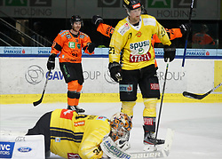 17.01.2020, Merkur Eisstadion, Graz, AUT, EBEL, Moser Medical Graz 99ers vs Vienna Capitals, 41. Runde, im Bild Ken Ograjensek (Moser Medical Graz 99ers) // Ken Ograjensek (Moser Medical Graz 99ers) during the Erste Bank Eishockey League 41th round match between Moser Medical Graz 99ers and Vienna Capitals at the Merkur Eisstadion in Graz, Austria on 2020/01/17. EXPA Pictures © 2020, PhotoCredit: EXPA/ Erwin Scheriau