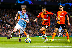 Kevin De Bruyne of Manchester City takes on Dodo of Shakhtar Donetsk - Mandatory by-line: Robbie Stephenson/JMP - 26/11/2019 - FOOTBALL - Etihad Stadium - Manchester, England - Manchester City v Shakhtar Donetsk - UEFA Champions League Group Stage