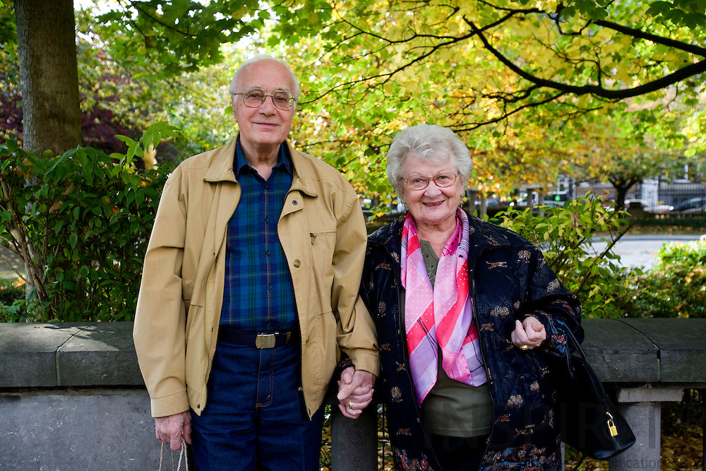 BRUSSELS - BELGIUM - 14 OCTOBER 2008 -- A elderly couple posing in a Brussels park. Photo: Erik Luntang/INSPIRIT Photo.