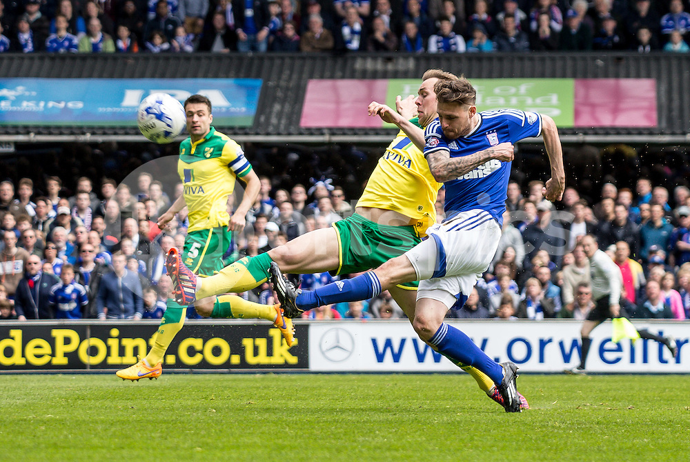 Goal scorer Paul Anderson of Ipswich Town shoots during the Sky Bet Championship Play Off 1st Leg match between Ipswich Town and Norwich City at Portman Road, Ipswich, England on 9 May 2015. Photo by Liam McAvoy.