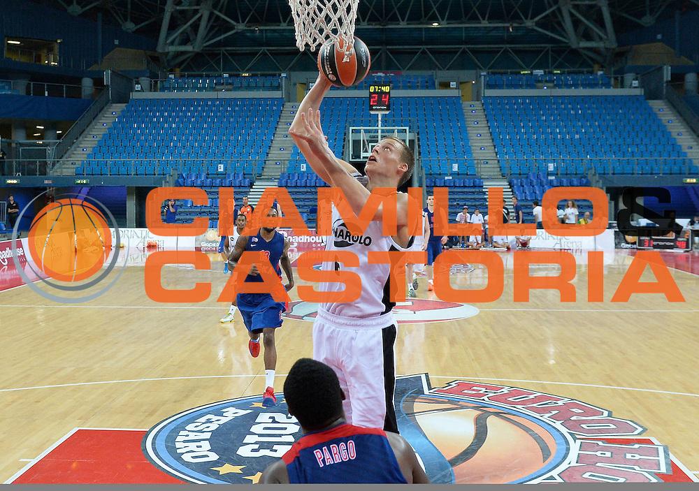 DESCRIZIONE : Pesaro Torneo Euro Hoop Series 2013 Granarolo Virtus Bologna-CSKA Mosca<br /> GIOCATORE : Viktor Gaddefors<br /> CATEGORIA : tiro penetrazione<br /> SQUADRA : Granarolo Virtus Bologna<br /> EVENTO : Torneo Euro Hoop Series 2013<br /> GARA : Granarolo Virtus Bologna-CSKA Mosca<br /> DATA : 21/09/2013<br /> SPORT : Pallacanestro<br /> AUTORE : Agenzia Ciamillo-Castoria/R.Morgano<br /> Galleria : Lega Basket 2013-2014<br /> Fotonotizia : Pesaro Torneo Euro Hoop Series 2013 Granarolo Virtus Bologna-CSKA Mosca<br /> Predefinita :