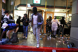 Protesters loot a 7-Eleven store at State and Dearborn during protests for George Floyd, May 30, 2020 in Chicago, IL, USA. Photo by John J. Kim/Chicago Tribune/TNS/ABACAPRESS.COM
