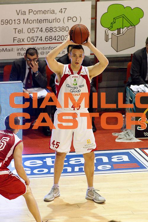 DESCRIZIONE : Pistoia Lega A2 2011-12 Giorgio Tesi Group Pistoia Aget Service Imola<br /> GIOCATORE : Tavernari Jonathan<br /> SQUADRA : Giorgio Tesi Group Pistoia<br /> EVENTO : Campionato Lega A2 2011-2012<br /> GARA : Giorgio Tesi Group Pistoia Aget Service Imola<br /> DATA : 22/01/2012<br /> CATEGORIA : Passaggio<br /> SPORT : Pallacanestro<br /> AUTORE : Agenzia Ciamillo-Castoria/Stefano D'Errico<br /> Galleria : Lega Basket A2 2011-2012 <br /> Fotonotizia : Pistoia Lega A2 2011-2012 Giorgio Tesi Group Pistoia Aget Service Imola<br /> Predefinita :