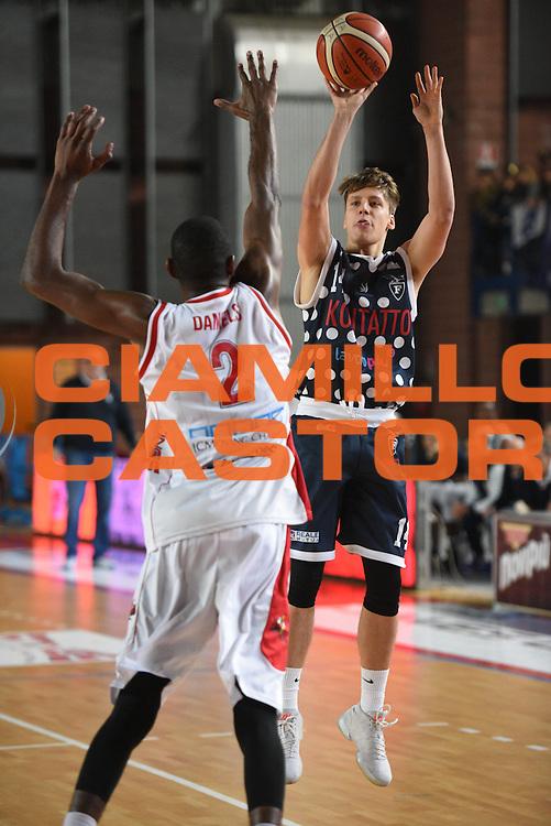 Matteo Montano<br /> Dinamica Generale Mantova - Kontatto Bologna<br /> Campionato Basket LNP 2016/2017<br /> Mantova 06/11/2016<br /> Foto Ciamillo-Castoria
