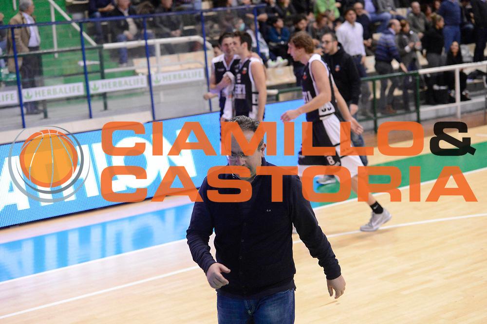 DESCRIZIONE : Siena Lega A 2012-13 Montepaschi Siena Juve Caserta<br /> GIOCATORE : Stefano Sacripanti<br /> CATEGORIA : delusione<br /> SQUADRA : Juve Caserta<br /> EVENTO : Campionato Lega A 2012-2013 <br /> GARA : Montepaschi Siena Juve Caserta<br /> DATA : 18/11/2012<br /> SPORT : Pallacanestro <br /> AUTORE : Agenzia Ciamillo-Castoria/GiulioCiamillo<br /> Galleria : Lega Basket A 2012-2013  <br /> Fotonotizia : Siena Lega A 2012-13 Montepaschi Siena Juve Caserta<br /> Predefinita :
