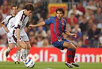Fotball<br /> Primera Division Spania 2004/05<br /> Osasuna v Barcelona<br /> 24. oktober 2004<br /> Foto: Digitalsport<br /> NORWAY ONLY<br /> DECO (BAR) / INAKI MUNOZ (OSA)