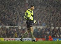 Photograph: Scott Heavey.<br />Arsenal v Newcastle United. FA Barclaycard Premiership. 26/09.2003.<br />The rain lashes down on Jens Lehman