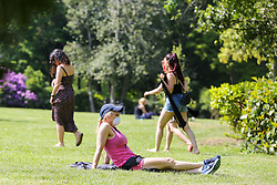 © Licensed to London News Pictures. 09/05/2020. London, UK. Members of the public in Finsbury Park, north London take advantage of the sunny and warm weather, on what could be he hottest day of the year so far. Prime Minister Boris Johnson is set to announce on Sunday, 10 May, measures to ease coronavirus lockdown, which was introduced on 23 March to slow the spread of the COVID-19. Photo credit: Dinendra Haria/LNP